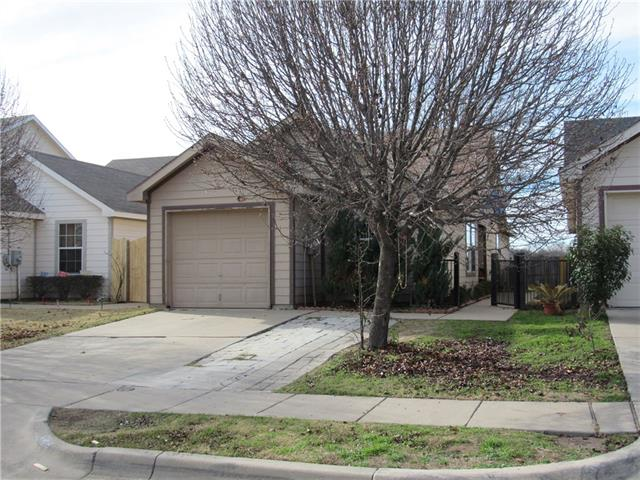 Photo of 10740 Many Oaks Drive  Fort Worth  TX
