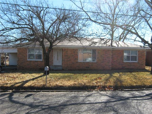Photo of 1413 Nugent Street  Bowie  TX