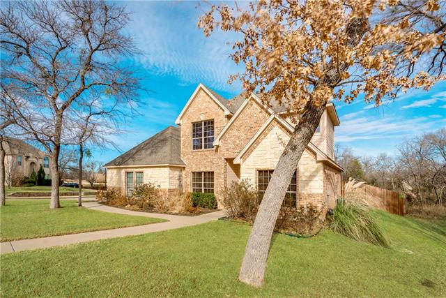 Photo of 316 Creekwood Court  Kennedale  TX