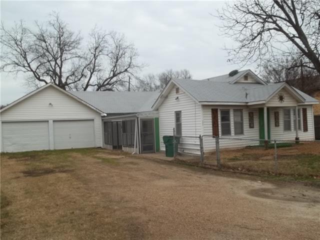Photo of 202 W Trunk Street  Crandall  TX