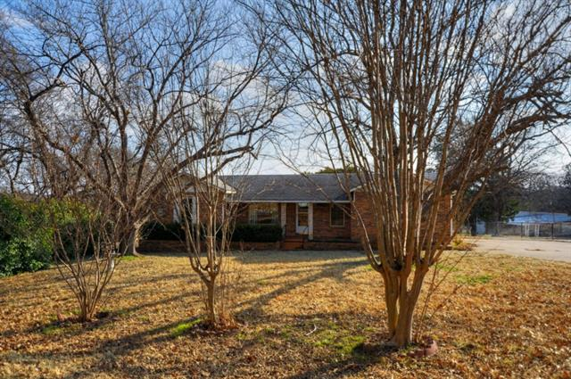 Photo of 862 Truman Circle  Lancaster  TX