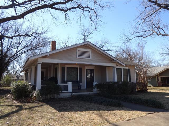 Photo of 304 E Mcfarland Street  Grandview  TX