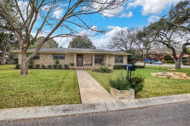 2 Ridge Dr, New Braunfels, TX 78130