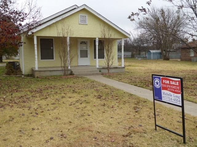 Photo of 201 Decatur Street  Nocona  TX