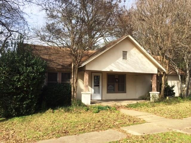 Photo of 309 N Center Street  Gladewater  TX