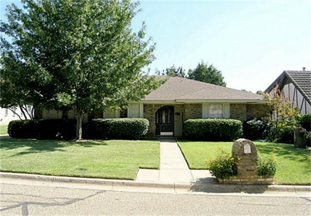Photo of 502 Willow Creek Court  Arlington  TX