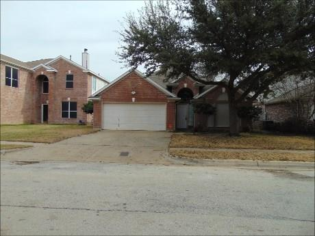 Photo of 6718 Amberdale Drive  Fort Worth  TX