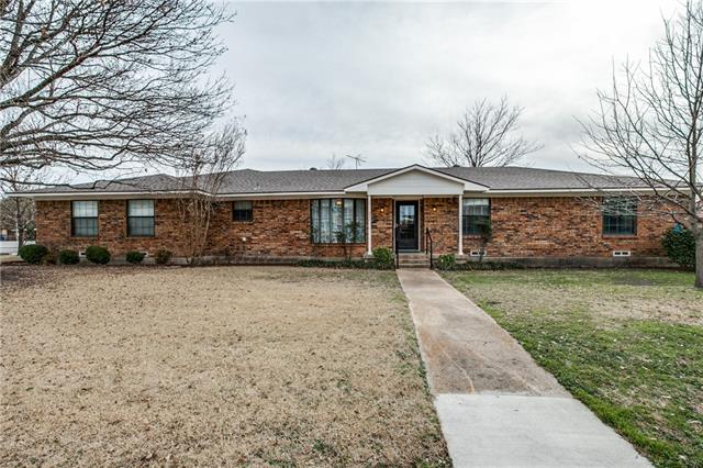 Photo of 801 Westgate Drive  Farmersville  TX