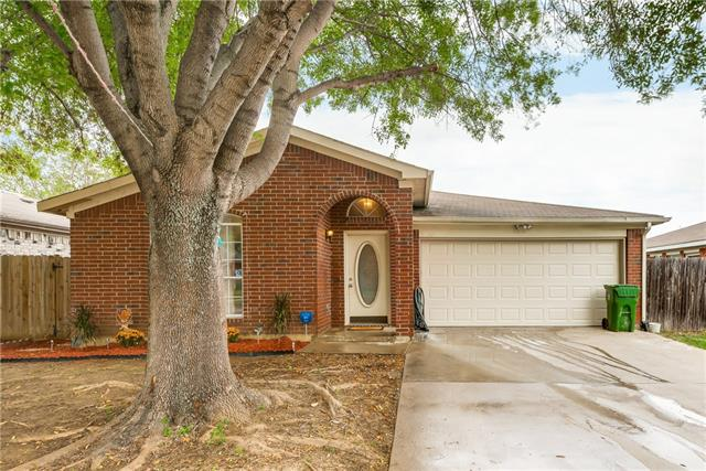 Photo of 407 Faircrest Drive  Arlington  TX