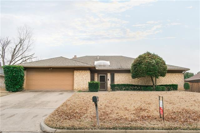 Photo of 510 Hinsdale Drive  Arlington  TX