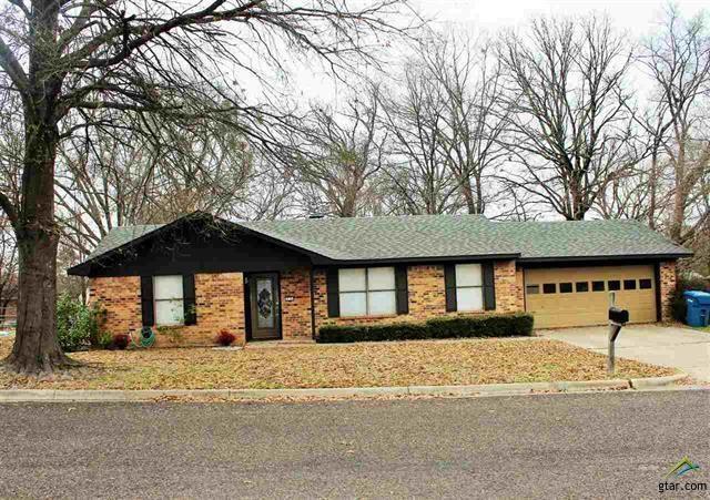 505 Rosewood St, Mount Pleasant, TX 75455