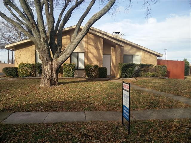 Photo of 2609 Figtree Lane  Plano  TX