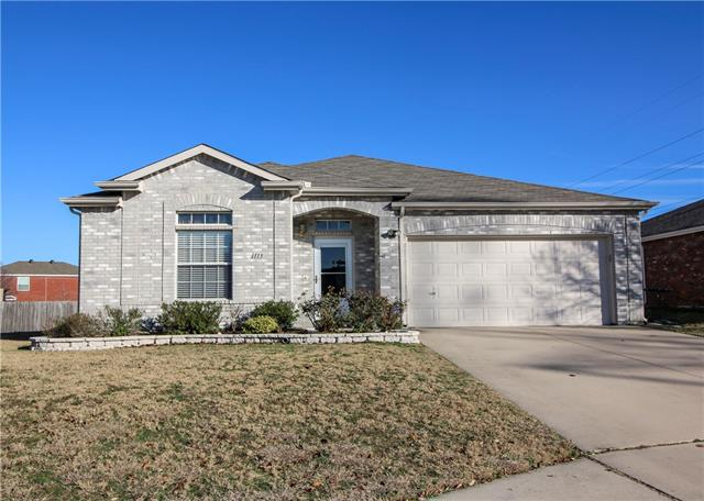Photo of 1113 Roundhouse Drive  Saginaw  TX