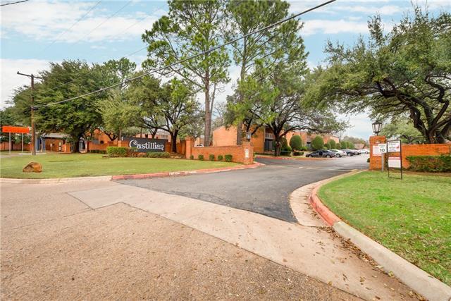 Photo of 570 E Avenue J  Grand Prairie  TX