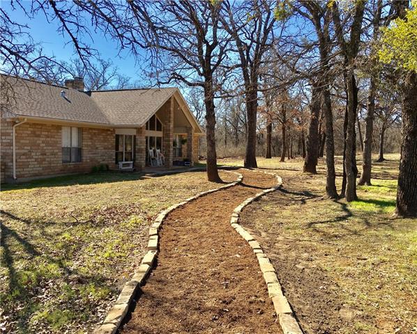 Photo of 460 Big Valley Circle  Lipan  TX