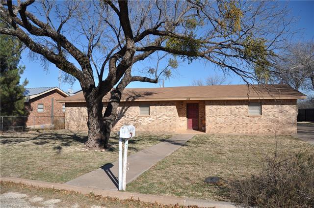 Photo of 809 E Davenport Street  Stamford  TX