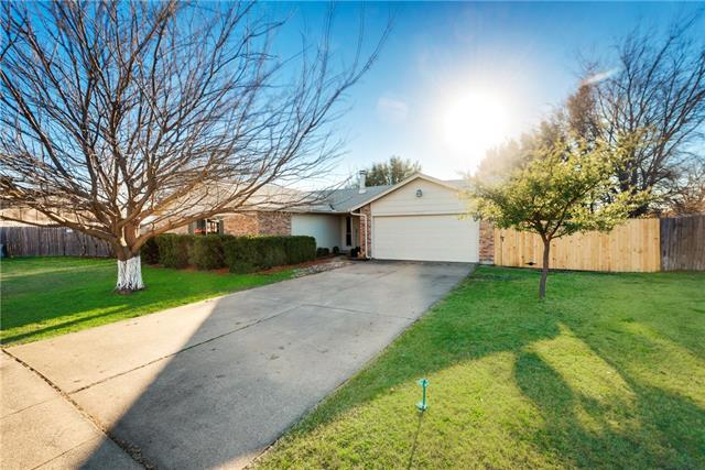 Photo of 6701 Sunnybank Drive  Fort Worth  TX