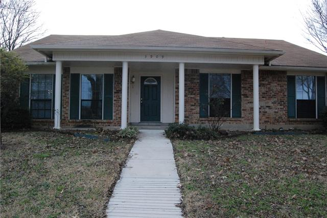Photo of 3909 COMMONWEALTH Drive  Flower Mound  TX