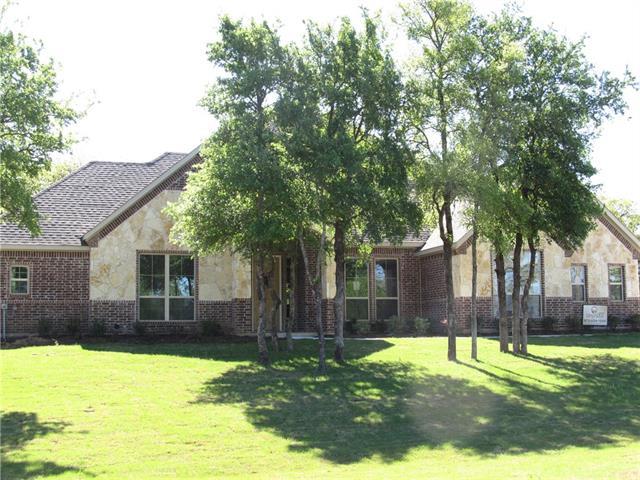 Photo of 601 S Sugartree Drive  Lipan  TX