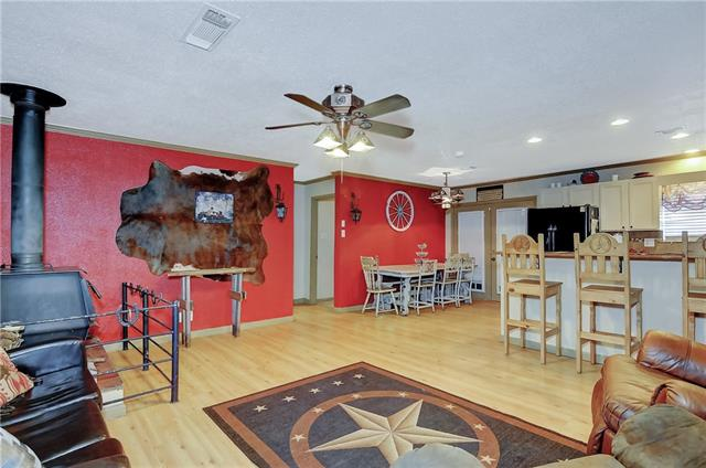 Photo of 309 Simpson Drive  Southmayd  TX