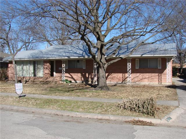 Photo of 1719 Morningside Drive  Gainesville  TX