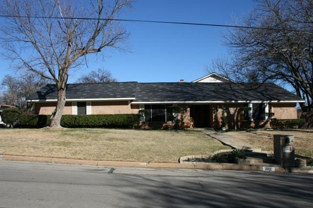 2016 NW 4th Avenue Mineral Wells, TX 76067