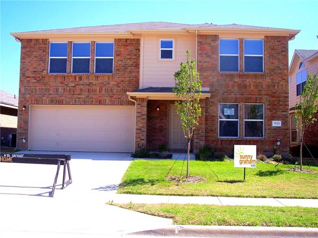 Photo of 7525 Grass Valley Trail  Fort Worth  TX