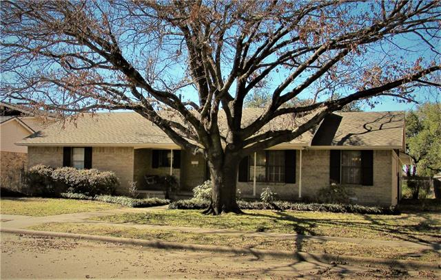 Photo of 1221 Phoebe Lane  Garland  TX
