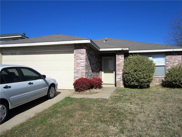 Photo of 915 Anvil Creek Drive  Arlington  TX