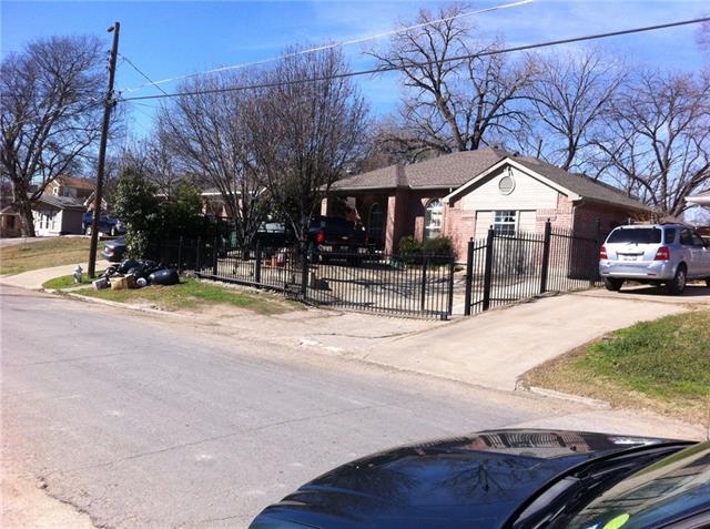 Photo of 2343 Arroyo Avenue  Dallas  TX