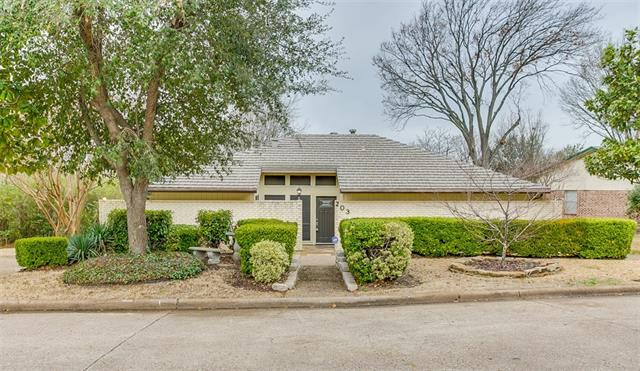 Photo of 203 Lakeview Drive  Rockwall  TX