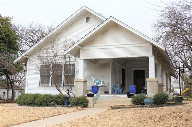 Photo of 115 E Akard Street  Weatherford  TX