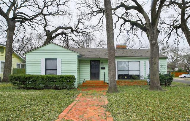 Photo of 1723 Maplewood Avenue  Corsicana  TX