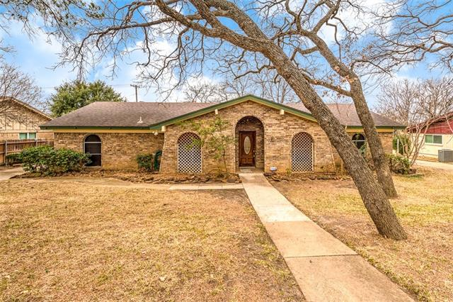 Photo of 9 Devonshire Drive  Bedford  TX