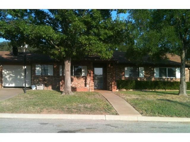 Photo of 212 Palmer Drive  Comanche  TX