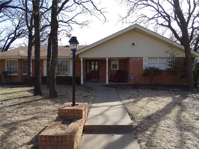 Photo of 521 W Pleasantview Drive  Hurst  TX