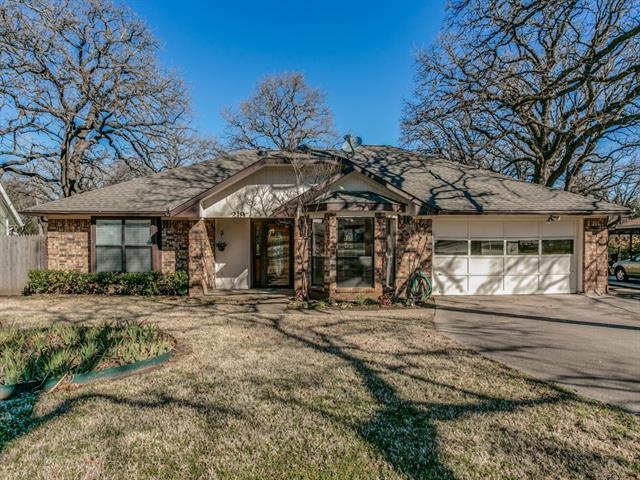 Photo of 219 Pembrook Street  Lake Dallas  TX