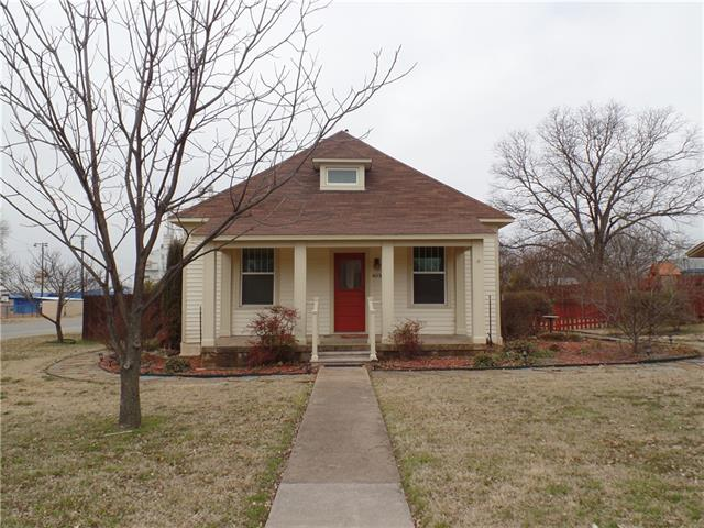 Photo of 403 N Walnut Street  Muenster  TX