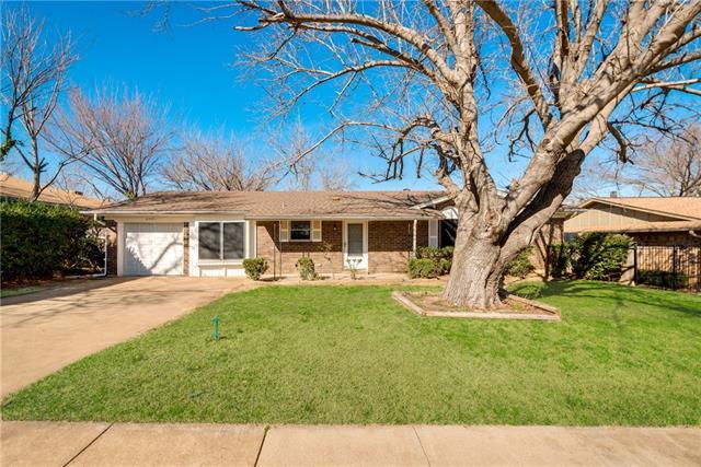 Photo of 405 E Taylor Street  Keller  TX