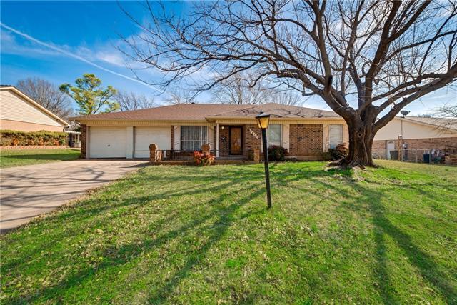 Photo of 3917 Van Deman Drive  Benbrook  TX