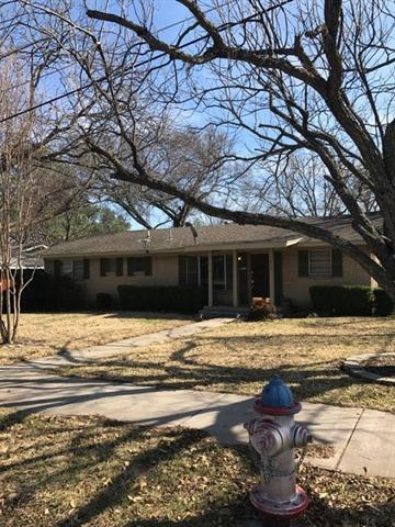 Photo of 1215 Poindexter Avenue  Cleburne  TX