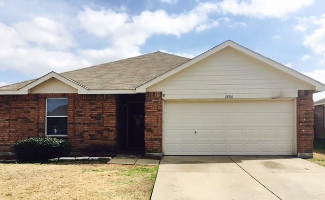 Photo of 1806 Willowbrook Drive  Terrell  TX