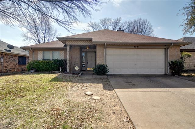 Photo of 2521 Echo Point Drive  Fort Worth  TX