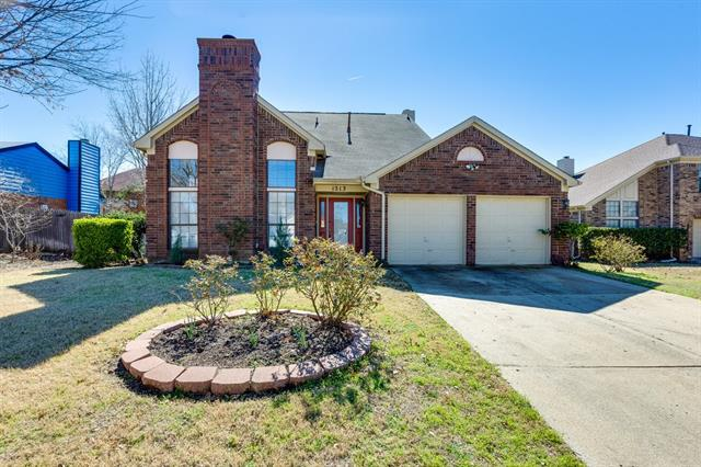 Photo of 1213 Eaton Lane  Grapevine  TX