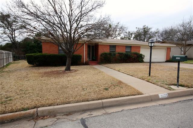 Photo of 1439 W Ball Street  Weatherford  TX