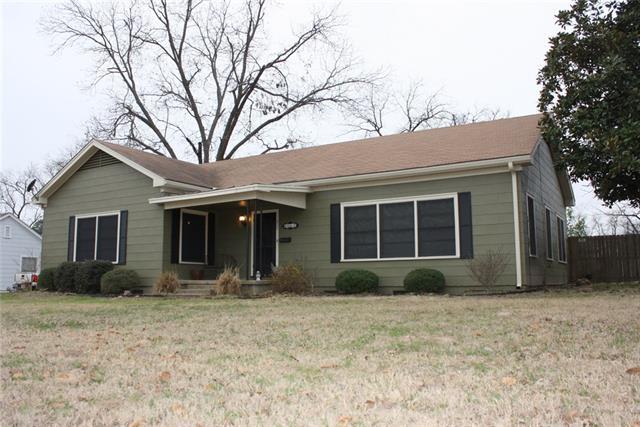 Photo of 200 S Mill Street  Winnsboro  TX