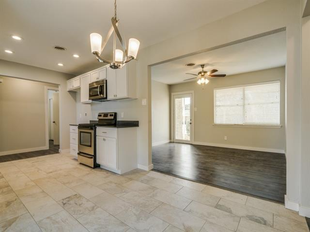 Photo of 14015 Janwood Lane  Farmers Branch  TX