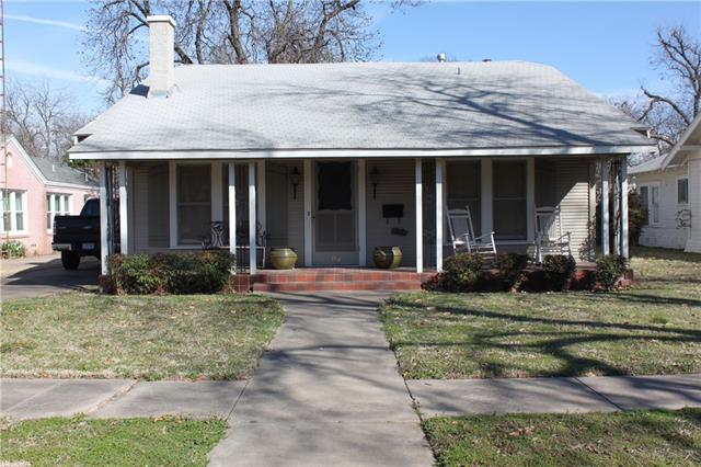 Photo of 107 Bellevue Drive  Cleburne  TX