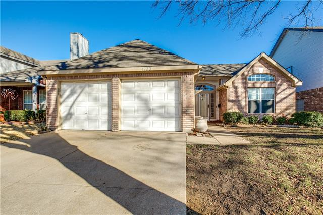 Photo of 4733 Bracken Drive  Fort Worth  TX