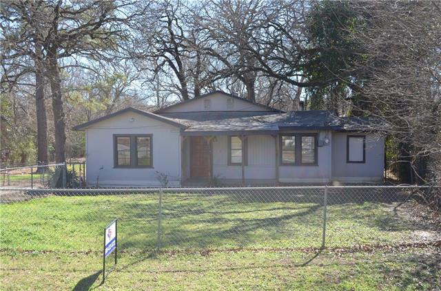 Photo of 216 Shoreline Drive  Azle  TX